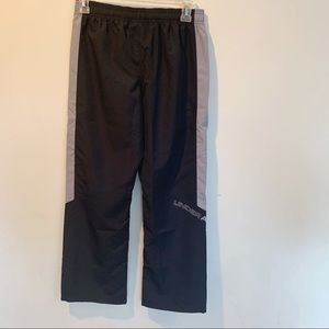 NWT Under Armour Boy's Athletic Pants Blk/Grey Med